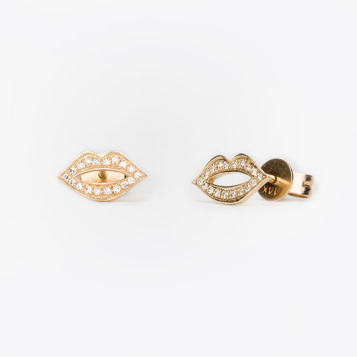Pavé Diamond Lips Earrings in Yellow Gold