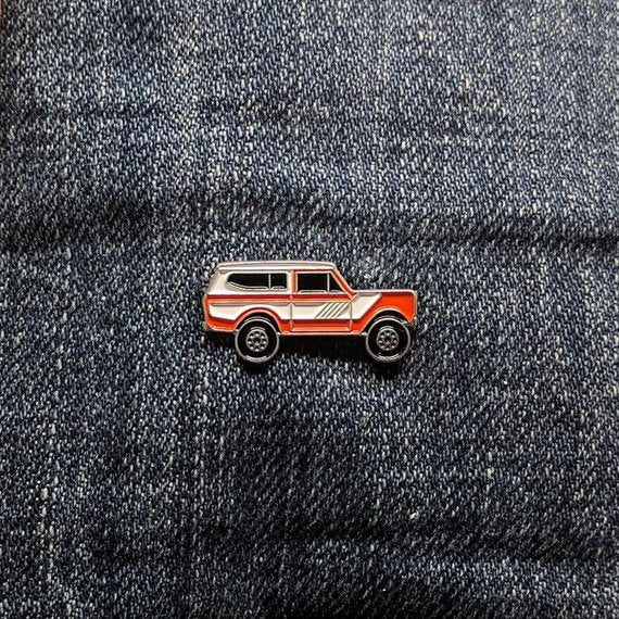 Bearface by BRFC Enamel Pin - 1976 International Harvester Scout II