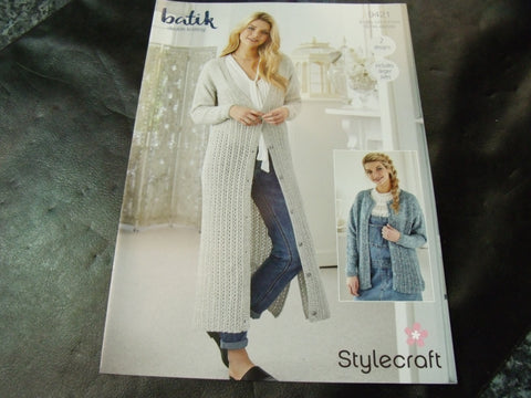Stylecraft Double Knitting Pattern 9421 Two Designs