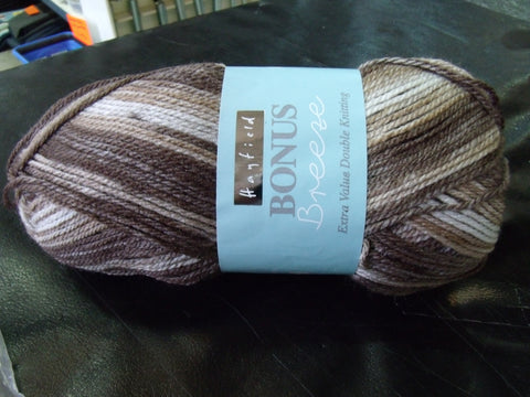 Hayfield Bonus Breeze Extra Value Double Knitting Yarn