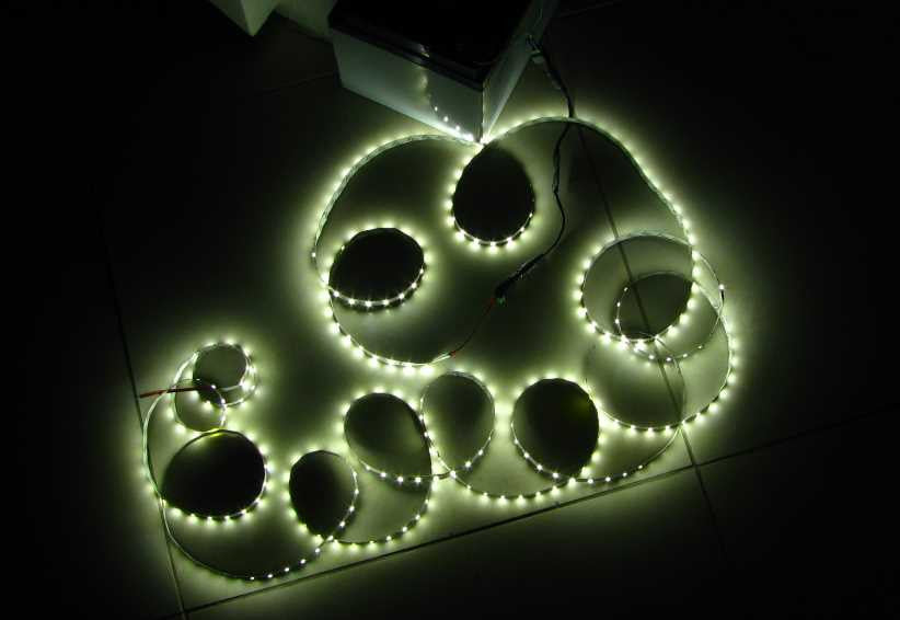 5 metres Cool White LED strip (5630, 12V input, 60 LEDs/m, non-waterproof)