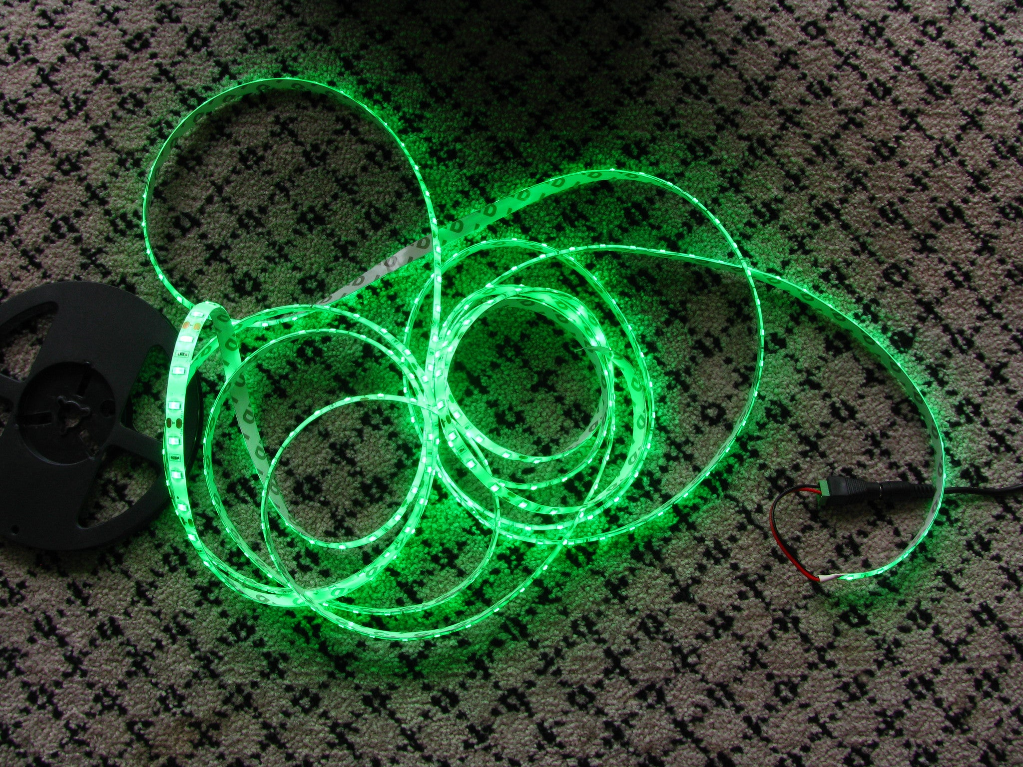 5 metres Green LED strip (5630, 12V input, 60 LEDs/m, waterproof)