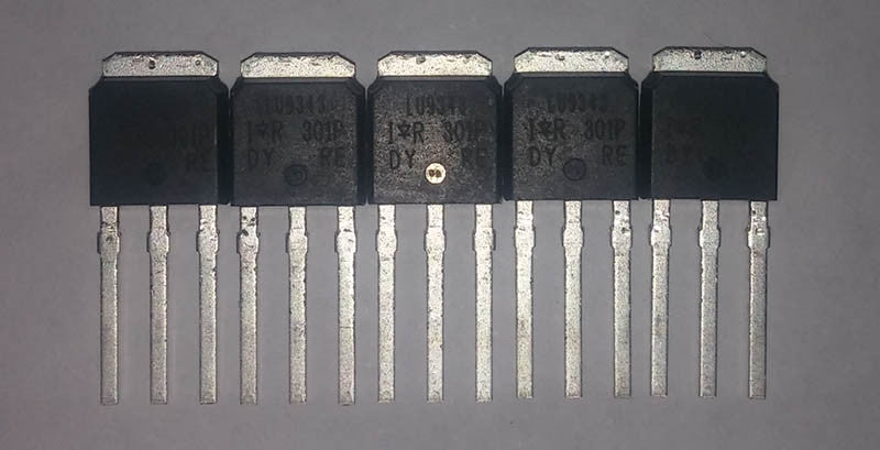 P-channel MOSFET Transistor, 20 A, 55 V - 5 pack