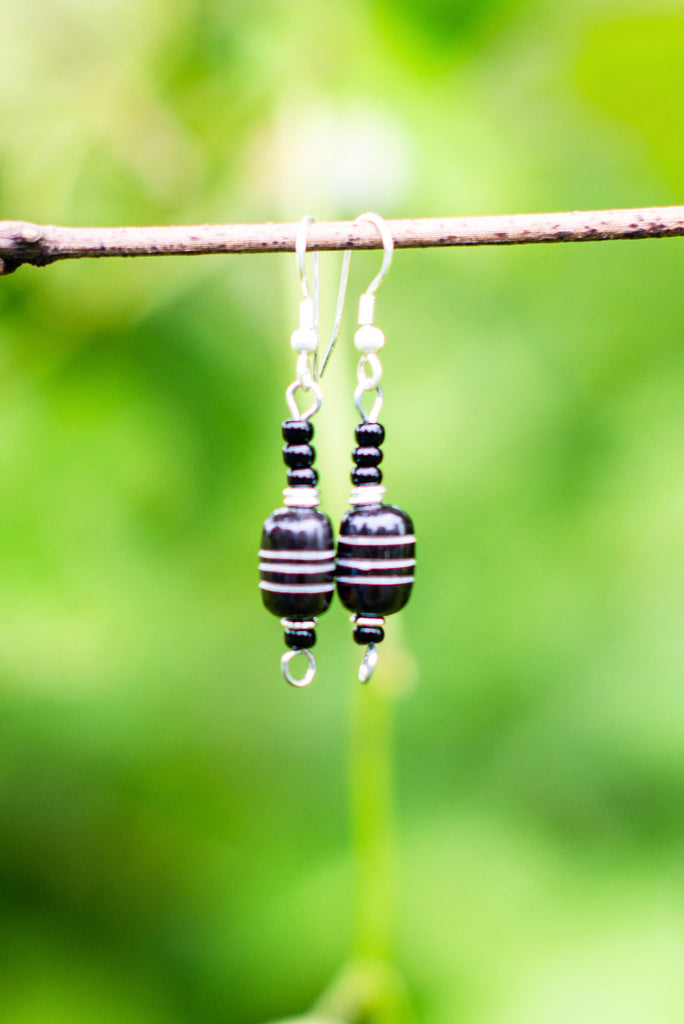 Nyeusi Earrings - Nyora Beads