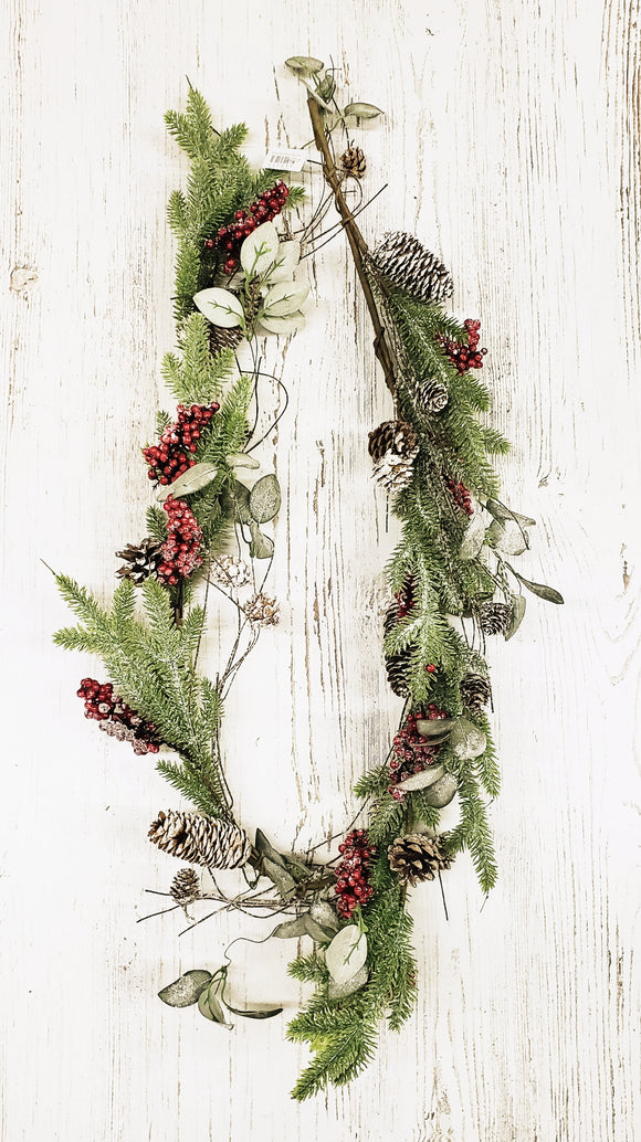 Garland-Red Berry Pinecone