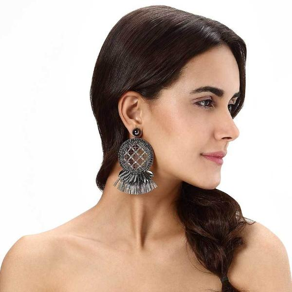 Model Wearing Deepa by Deepa Gurnani Handmade Daleah Earrings in Gunmetal