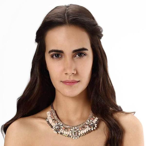 Model Wearing Deepa by Deepa Gurnani Handmade Aira Necklace in Peach