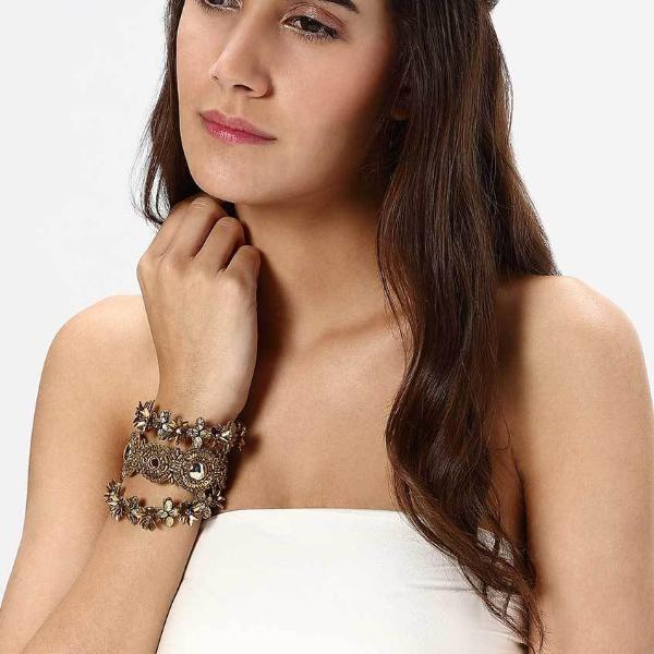 Model Wearing Deepa by Deepa Gurnani Handmade Ira Cuff in Gold