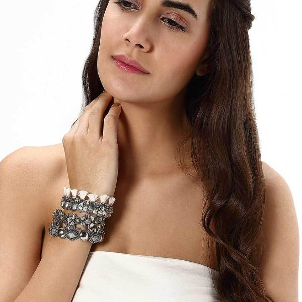 Model Wearing Deepa by Deepa Gurnani Handmade Evonne Cuff in Silver