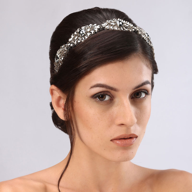 Model Wearing Deepa Gurnani Handmade Mimi Luxe Headband in Gunmetal
