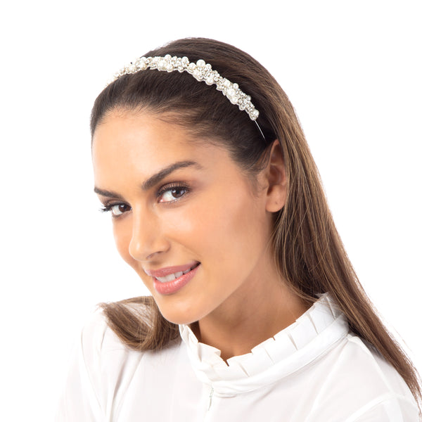 Stay ahead of the fashion curve with our pearl Peony Headband