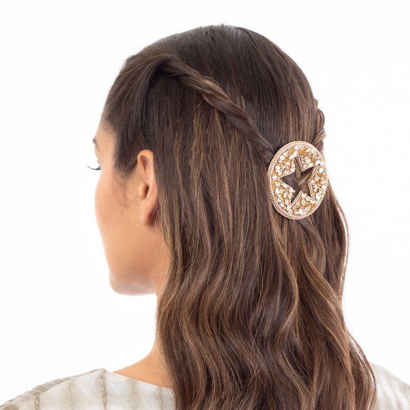 Amirah open hair clip with star design