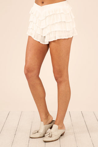 Your fave summer shorts are back! The color and style create that AHHHmazing vintage summer vibe we adore so much!