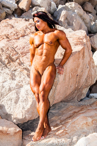 ALINA POPA MUSCLE NUDE IN DESERT -  DOWNLOAD