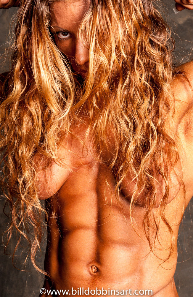 ISABELLE TURELL KILLER ABS PRINT - The very definition of extreme ripped definition in female bodybuilding.
