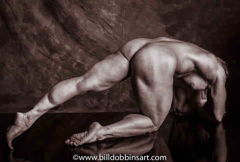 BIG FEMALE MUSCLE NUDE PRINT