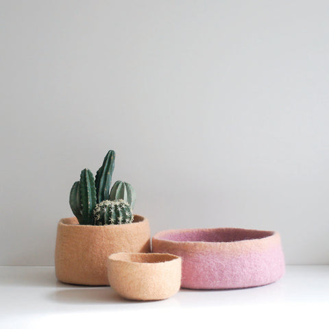 Catch all felt bowl in sorbet