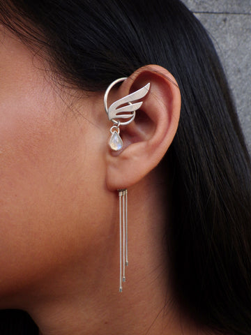 Hermezea Ear Cuff with Rainbow Moonstone