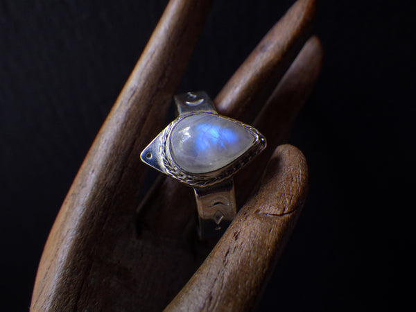 Lalin Ring with Rainbow Moonstone
