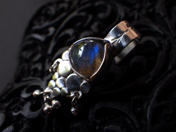 Triteia Ear Cuff with Labradorite