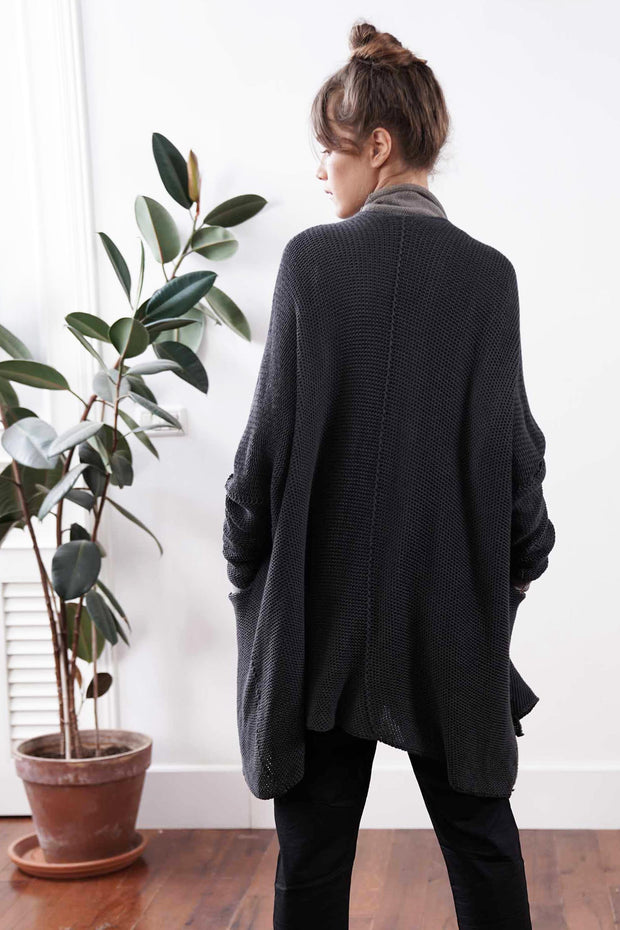 Big Chunky Oversize Soy Sweater with pockets - Charcoal