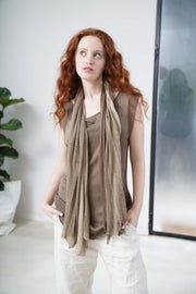 Boat neck sleeveless knit top -Light Brown