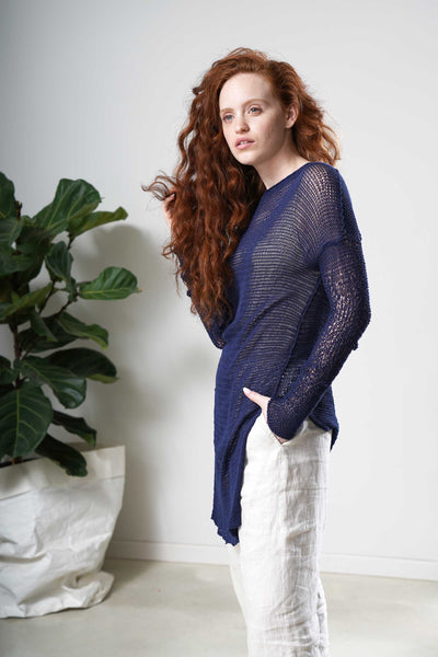 Loose knit sweater with side slits -Dark Navy blue