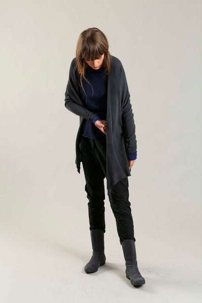 Orta Light Bamboo & Soy warm Cardigan - Charcoal