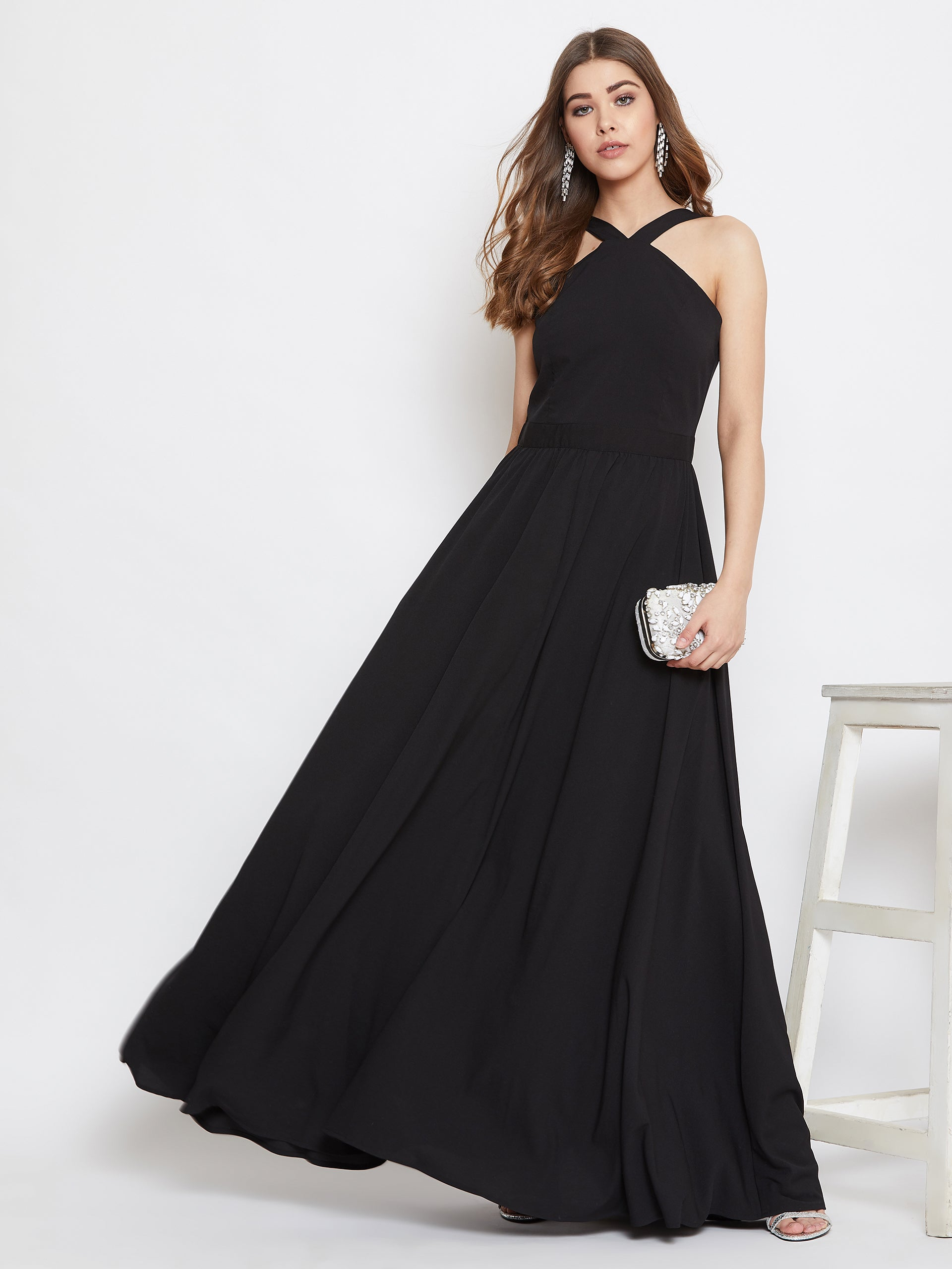Berrylush Women Black halter Neck Flared Maxi Dress