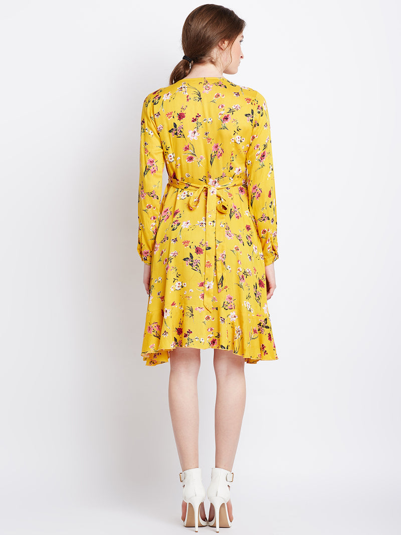 Berrylush Women Yellow Printed Fit and Flare Dress