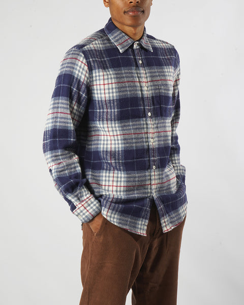 flannel shirt plaid blue and white model side