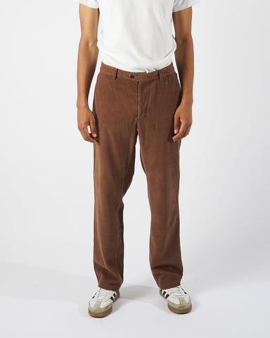corduroy trousers brown model front
