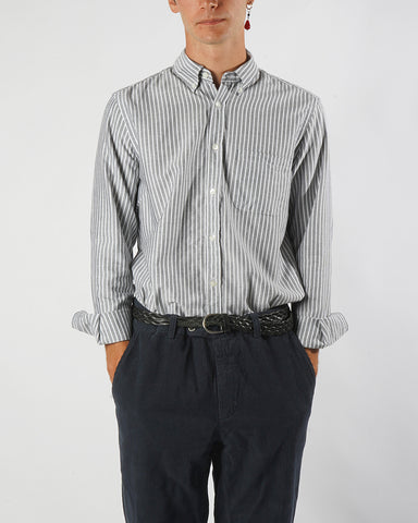 shirt striped black front model