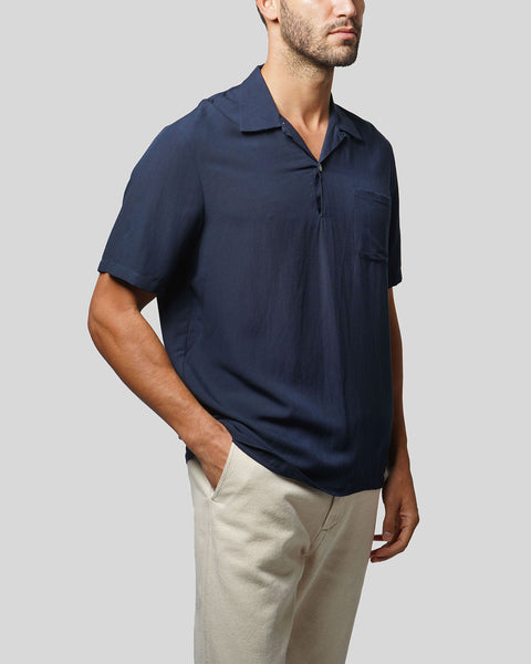 navy polo model side