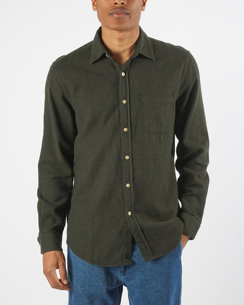 flannel shirt green model front