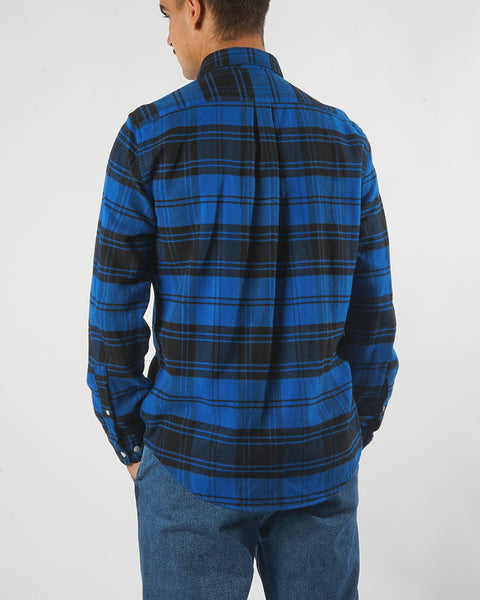 flannel shirt plaid blue black model back