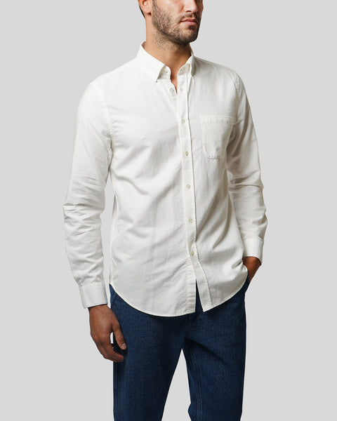 white long sleeve shirt oxford model side