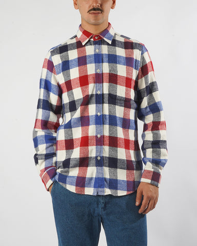 flannel shirt gingham red blue model front