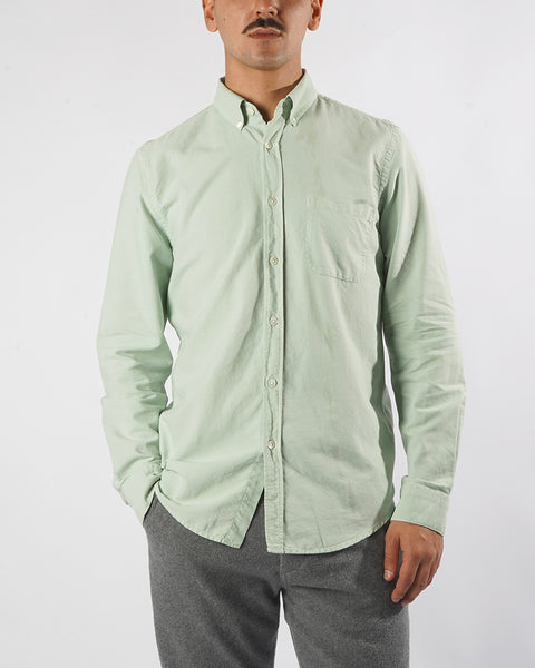 long sleeve shirt frosty green model front