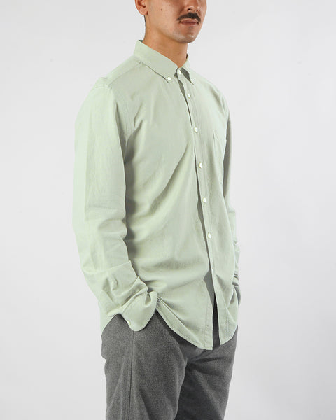 long sleeve shirt frosty green model side