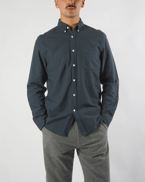 long sleeve shirt navy blue model front