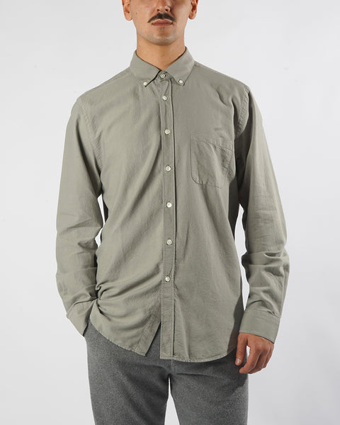 long sleeve shirt grey model front