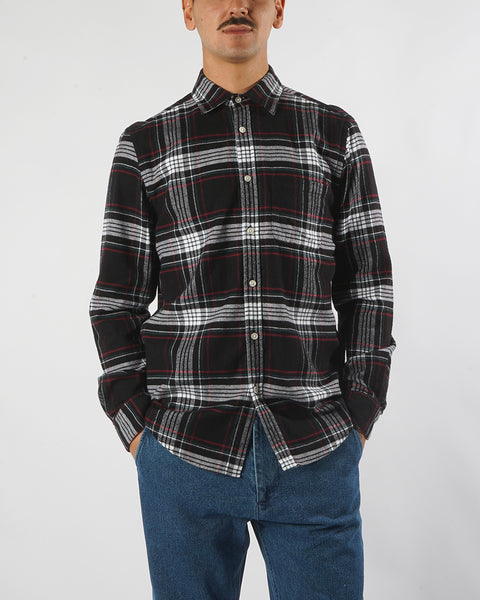 flannel shirt plaid black white red model front