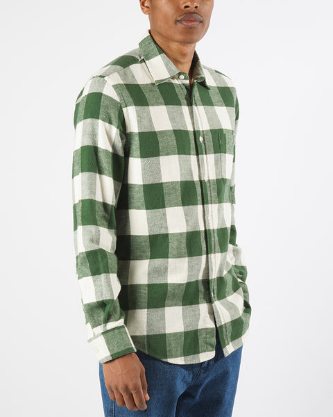 flannel gingham green white shirt model side