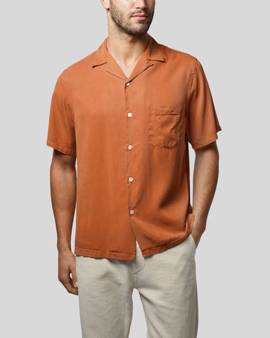 terracota short sleeve shirt model front