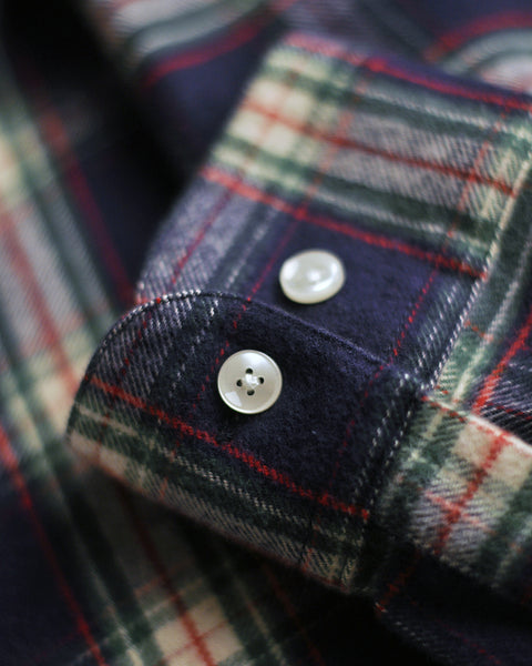 flannel shirt plaid blue and white detail button