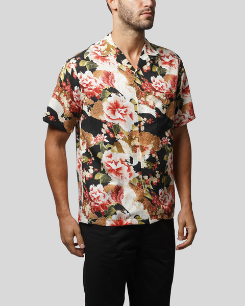 flower printed short sleeve shirt model side