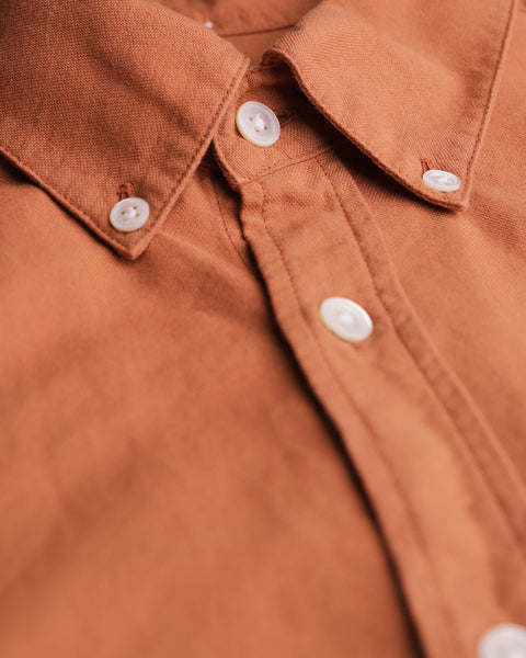 brick long sleeve oxford shirt detail buttons