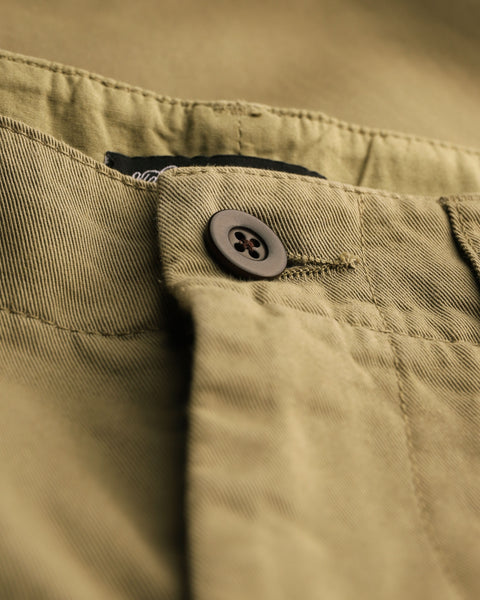 olive trousers detail button
