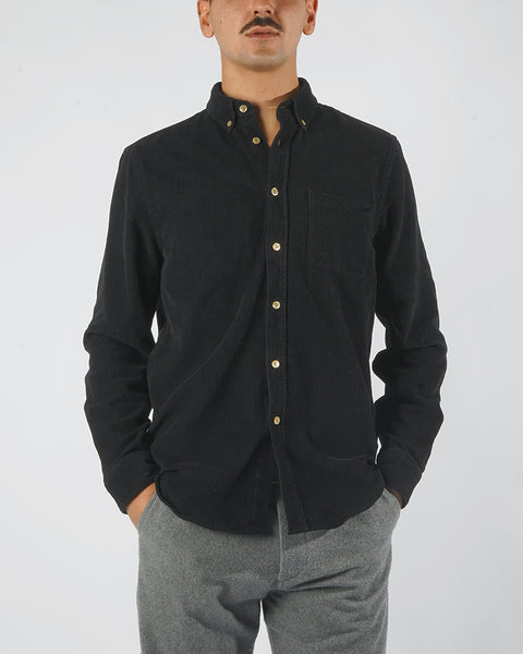 corduroy shirt black model front